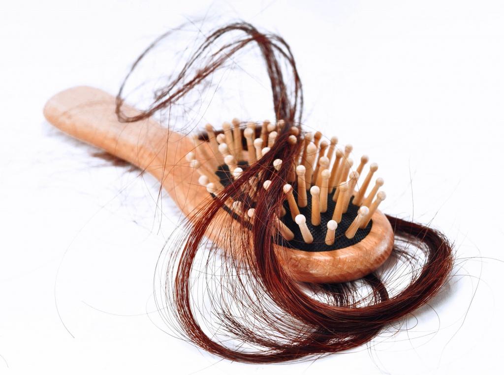 Cómo detener la caída del cabello post thumbnail image